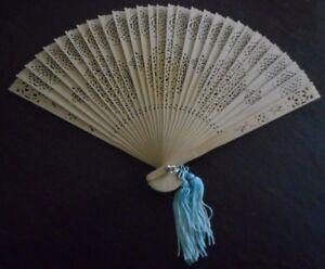 Beautiful-Antique-Chinese-Fan-Carved-Wood-Handheld-Fan-w-Turquoise-Tassel