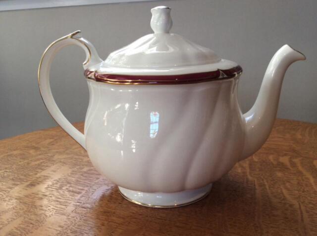 Wedgwood Empress Ruby bone china teapot