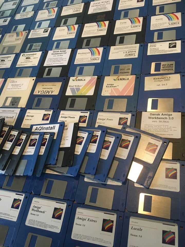 Commodore Amiga Kæmpe samling Workbench disketter,