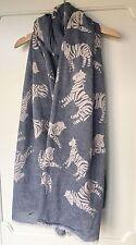 Gris y Blanco Batik Estilo Zebra Print Bufanda Rrp £ 18
