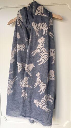 Large Grey /& White Zebra Print Scarf Rrp £18