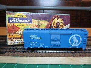 Athearn-1204-HO-Scale-034-Great-Northern-034-40-039-AAR-Steel-Boxcar-Assembled-Kit