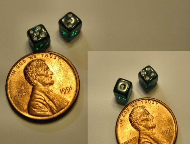 Toys and Games ~  SET OF GREEN DICE - 1