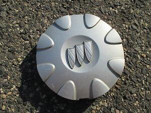 One 1999 to 2002 Buick Lesabre alloy wheel center cap hubcap