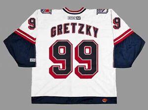 La foto se está cargando WAYNE-GRETZKY-New-York-Rangers-1999-CCM-Throwback- 0bbda2e2f