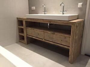 Mobile bagno in legno massello in stile industrial vintage design