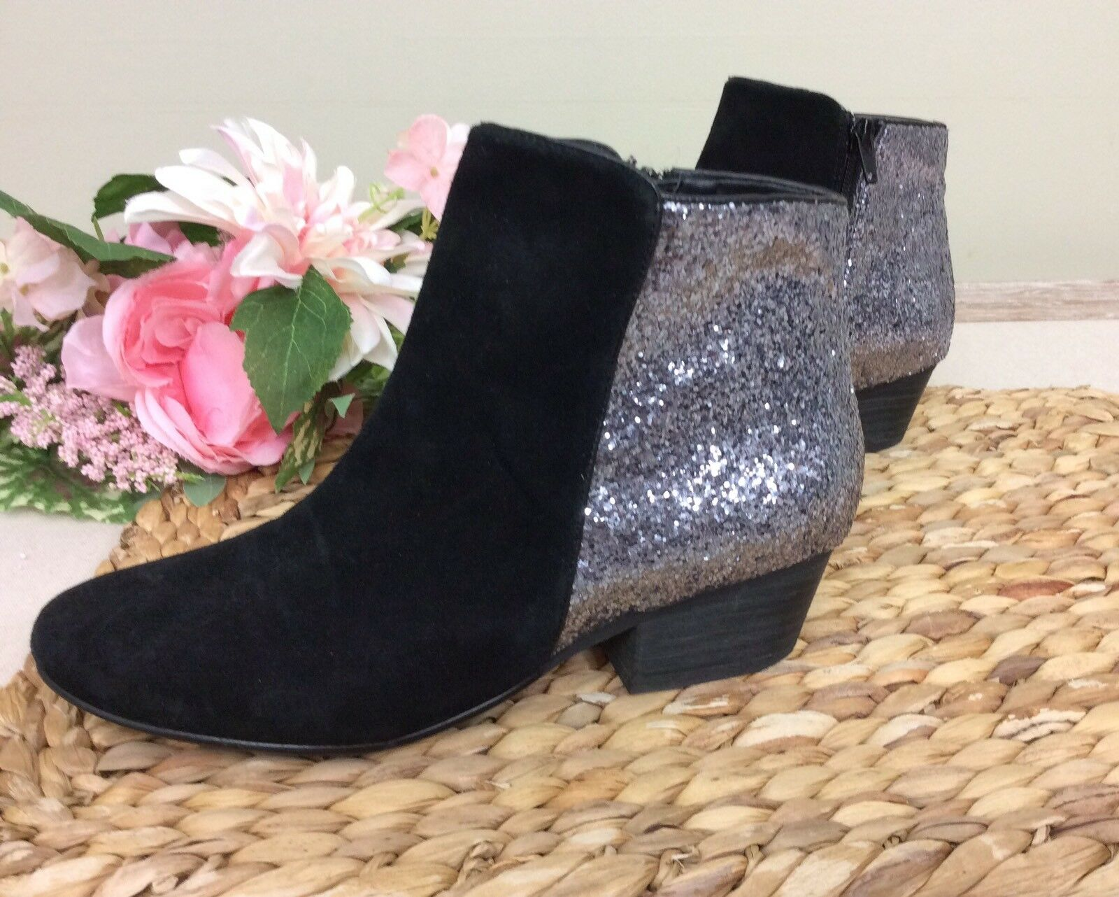 Women's Kelsi Dagger Ankle Boots Booties sz 6 Black Suede With Silver Sparkle