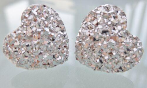 Pequeño Brillante Corazón De Plata Cristal Aretes Estilo Diamanté W
