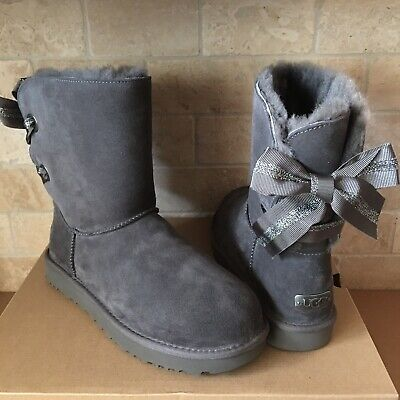 d0e4562cfee UGG CUSTOMIZABLE SHORT BAILEY BOW GREY GRAY SUEDE FUR BOOTS SIZE 11 WOMEN |  eBay