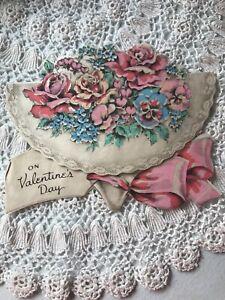Vintage-Valentines-Day-Card-Diecut-Bouquet-Flowers-Linen-Paper-30s-Lace-Pink