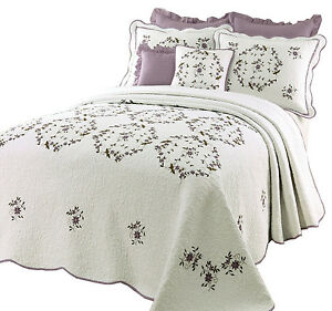BEAUTIFUL WHITE GREEN PURPLE LAVENDER FLORAL QUILT BEDSPREAD XL ... : purple and white quilt - Adamdwight.com