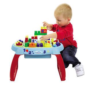 Spieltisch-mit-Bausteine-Abrick-Steckbausteine-Baukloetze-Motorik-Spielzeug-Tisch
