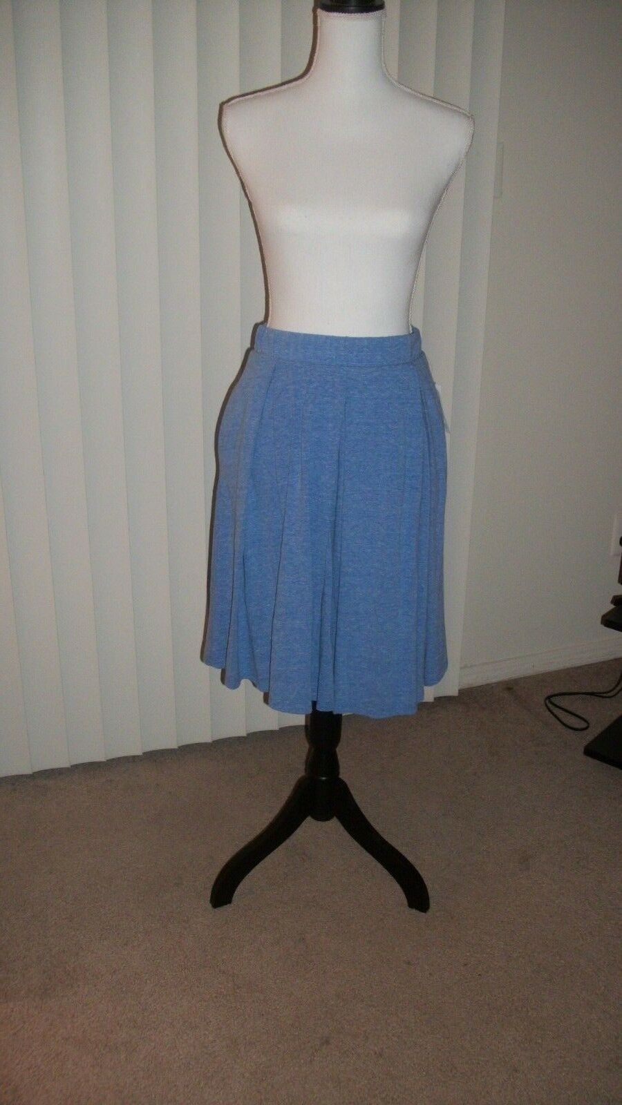NWT LULAROE MADISON-Knit Pleated Skirt-Denim bluee-Size M