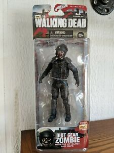 The Walking Dead TV Series 4 RIOT GEAR ZOMBIE Action Figure McFarlane Toys AMC