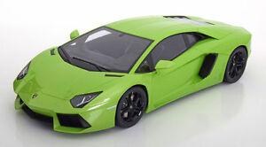 Kyosho-Lamborghini-Aventador-LP-700-4-Green-LARGE-CAR-1-12-LE-600pcs-New