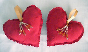 Luxury-Shabby-Chic-Christmas-Red-Hanging-Hearts-x-2-with-beads-Decoration-Gift