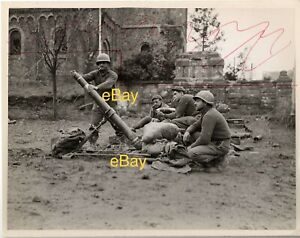 Dec-1944-US-Signal-Corps-Reprint-Photo-Mortar-Crew-87th-Chem-Sqd-Duren-Germany