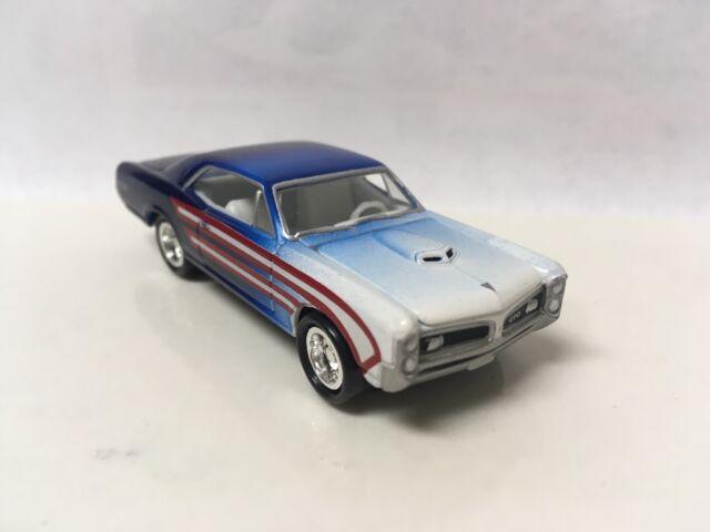 1966 66 Pontiac GTO Collectible 1/64 Scale Diecast Diorama Model