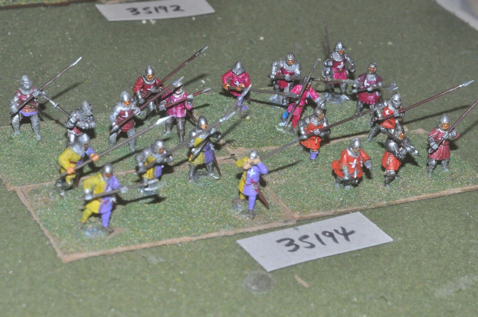 25mm medieval   burgundian - men at arms (plastic) 20 figures - inf (35194)