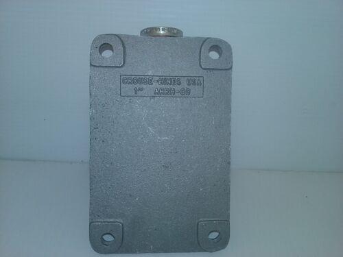 "1/"" CAST ALUMINUM CROUSE-HINDS ARRH-33 MOUNTING BOX NNB"