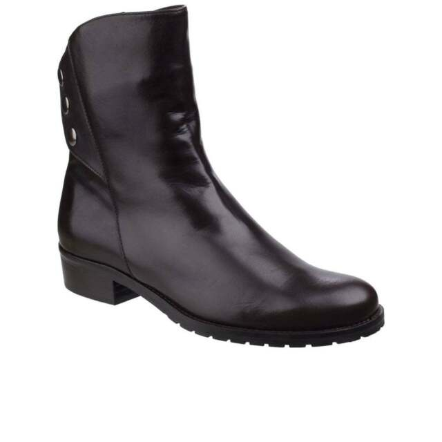 5fb0f61fc7a26 Riva Buttons Ladies BOOTS 38 for sale online | eBay