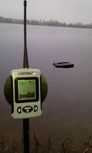 BAIT BOAT VALUE FISH FINDER WIRELESS GREAT VALUE BOAT 400 METRE+ 9b52b2