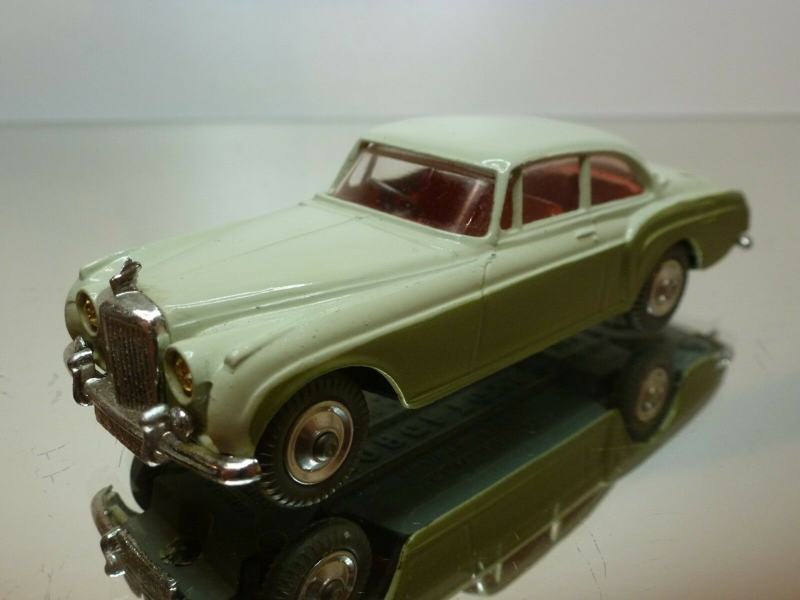CORGI TOYS 224 BENTLEY CONTINENTAL SPORTS SALOON - RHD - TWO TONE 1 43 - GOOD
