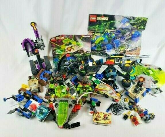 4.5+ LBS of Bulk LEGOs Building Specialty Pieces from 1997 Sets & 14 Mini Figs