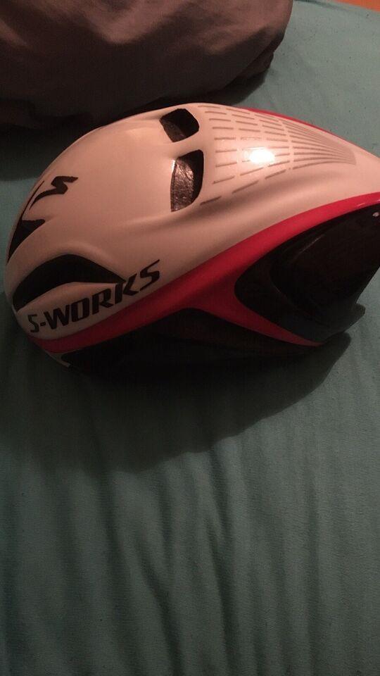 Cykelhjelm, S-works Evade