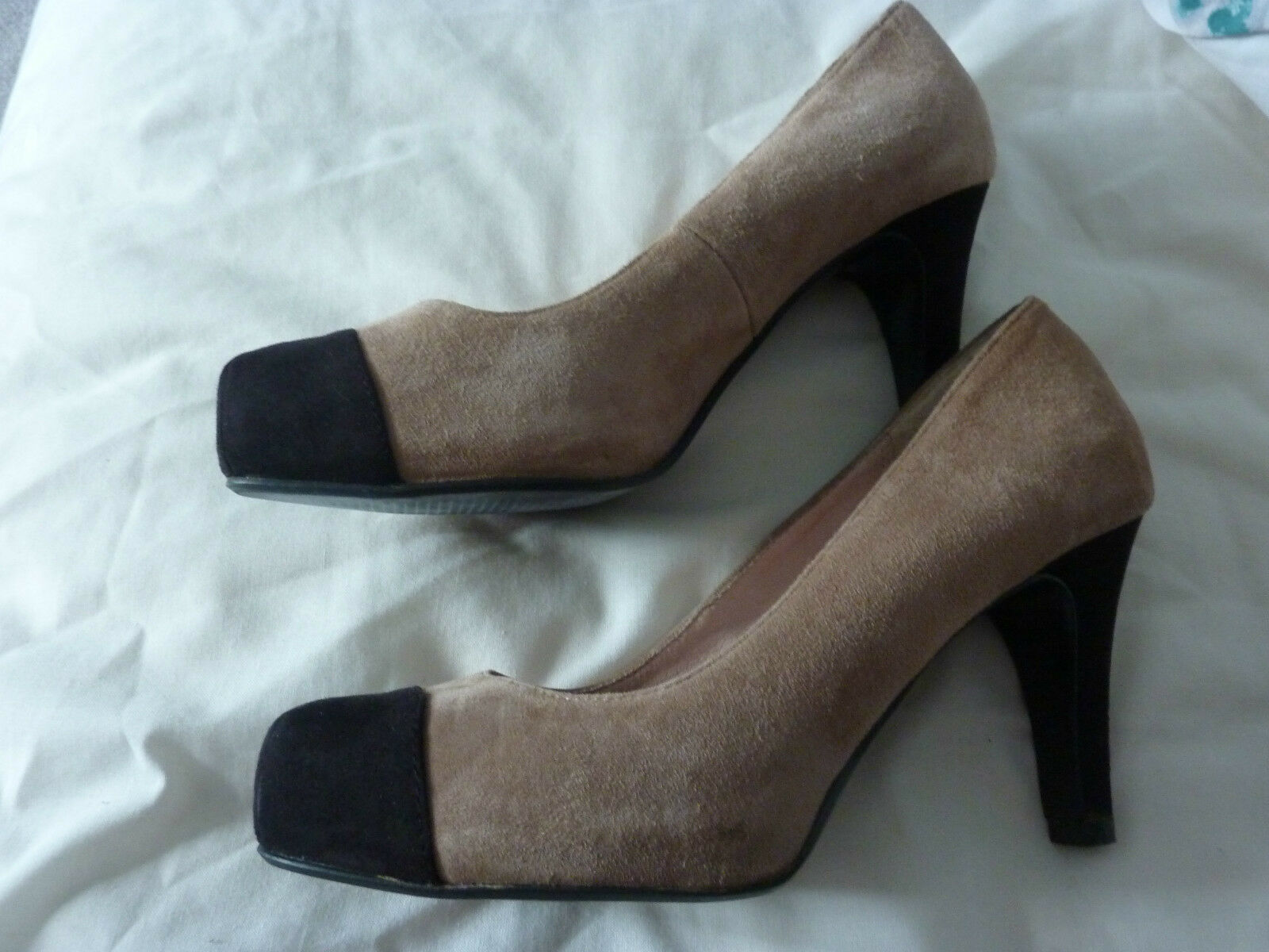 Next Leather Collection size 5 beige suede court shoes, stiletto heel