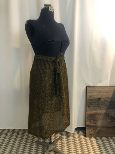 Pencil Skirt Black and Gold Lurex 1960s vintage me