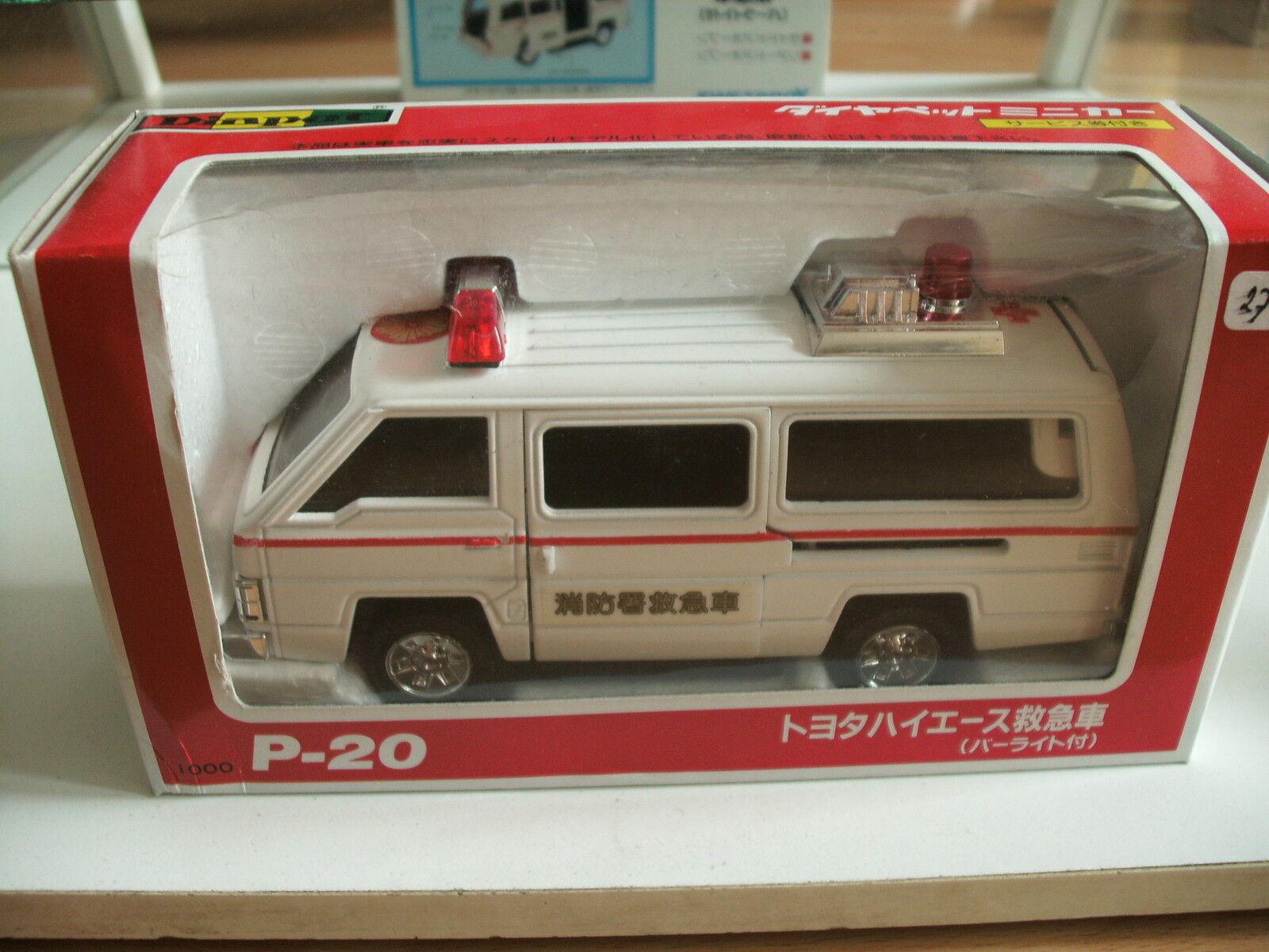 Yonezawa Diapet Toyota Hi-Ace Ambulance in White on 1 35 in Box