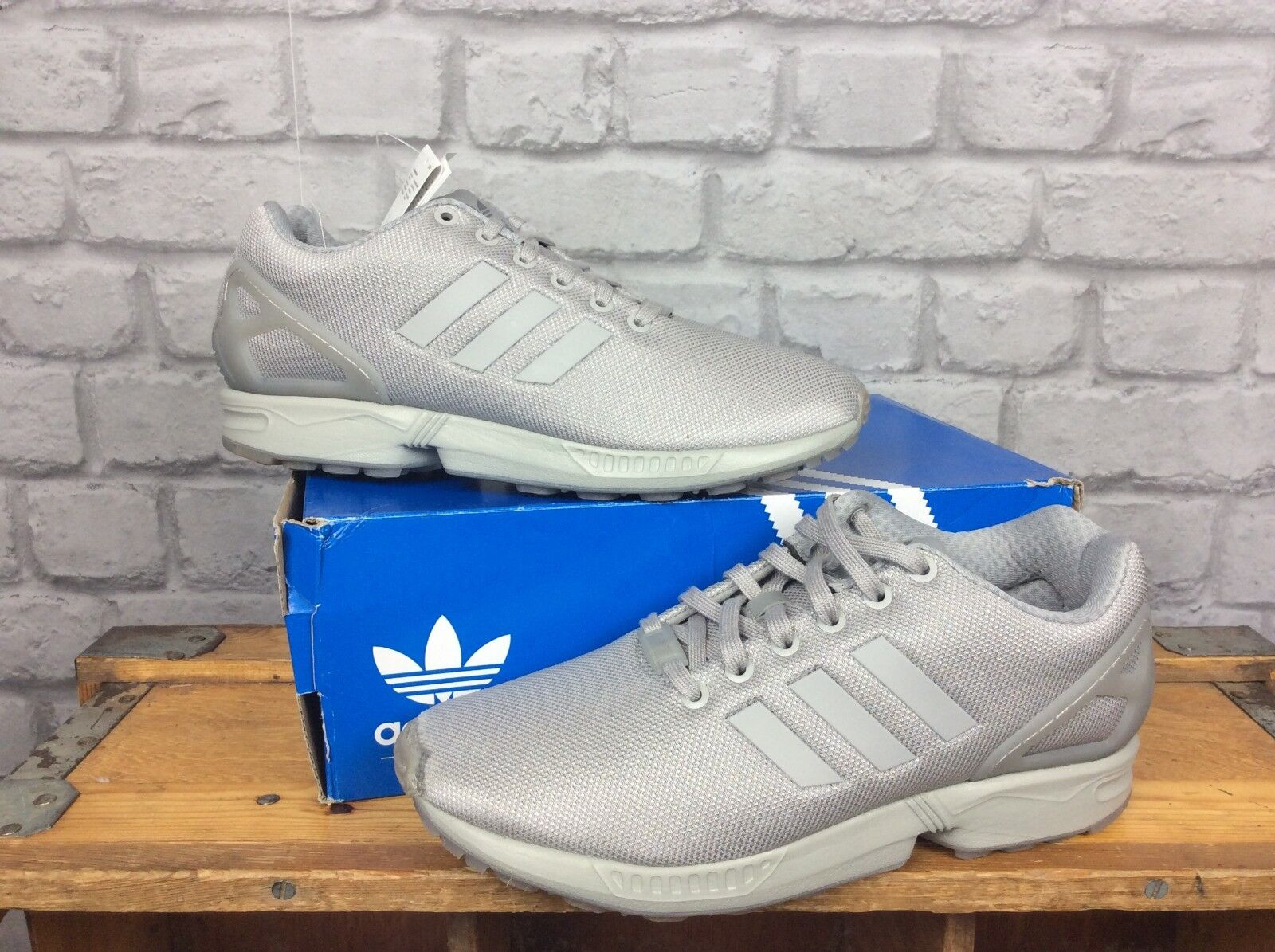 best website e8b3b a4c39 ADIDAS Para Para Para Hombre  2 UE 41 1 3 Gris ZX FLUX TORSION