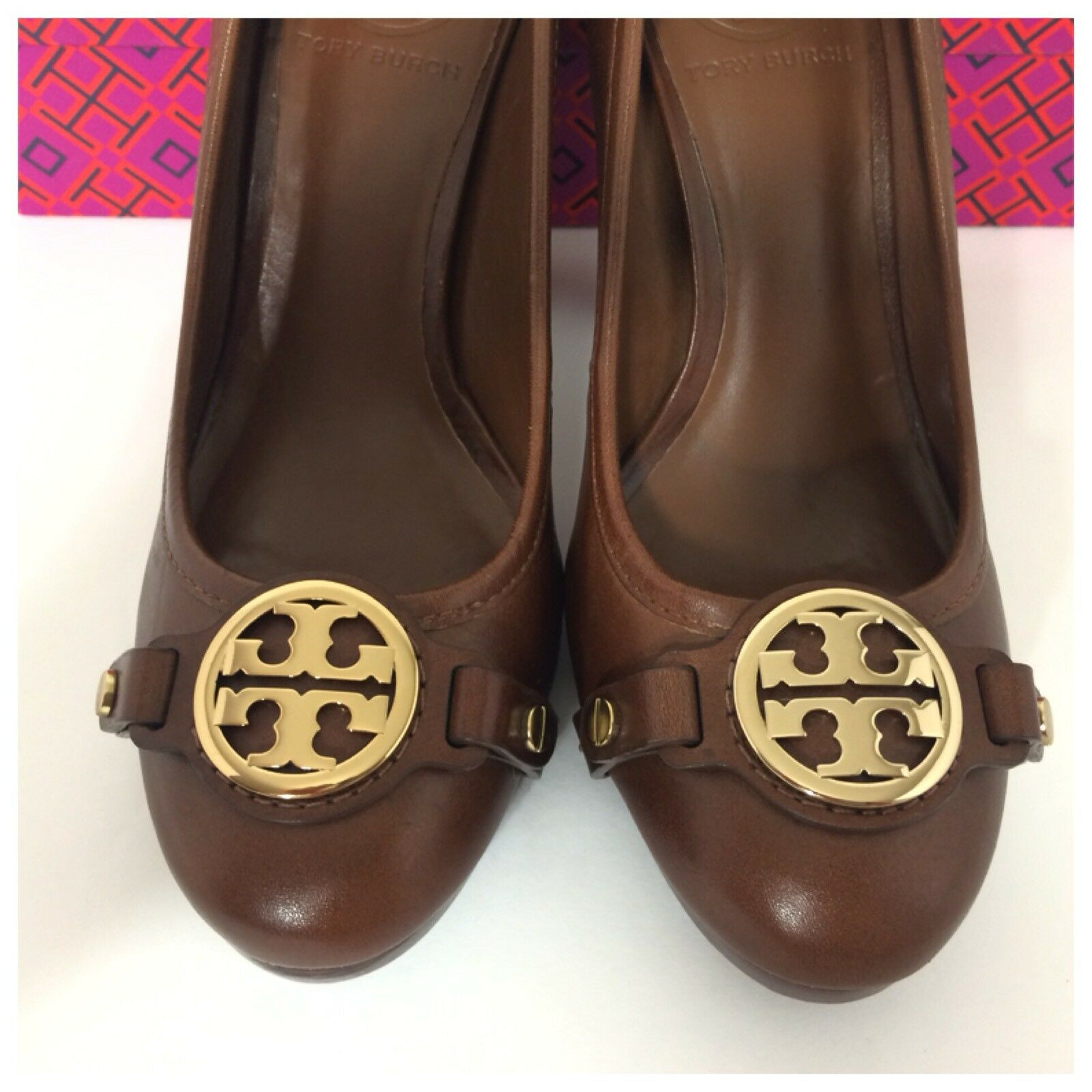 Tory Burch Size Calista Almond Brown Gold Logo Leather Pumps Size Burch 6.5 M  295 dcd44e