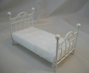 Single Bed white dollhouse miniature furniture 1/12 scale T5030 metal