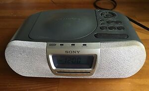 sony dream machine cd player digital alarm clock am fm radio icf cd830 27242584341 ebay. Black Bedroom Furniture Sets. Home Design Ideas