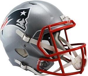 Riddell-New-England-Patriots-Revolution-Speed-Full-Size-Replica-Football-Helmet