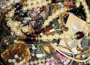 Grandmas-Estate-ALL-Wearable-Re-Sellable-Vintage-to-Modern-Jewelry-Pound-Lots