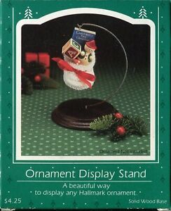 1985-Hallmark-Ornament-Display-Stand-in-Box-Solid-Wood-Base