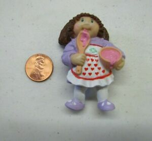 Vtg 1984 Cabbage Patch Kids GIRL w// Ice Cream Cone Treat TOY CPK PVC Figure
