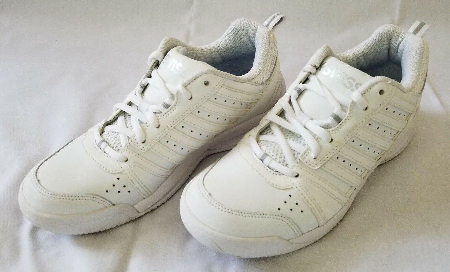 Womens Size 6.5 White K.Swiss Tennis Leather shoes preowned