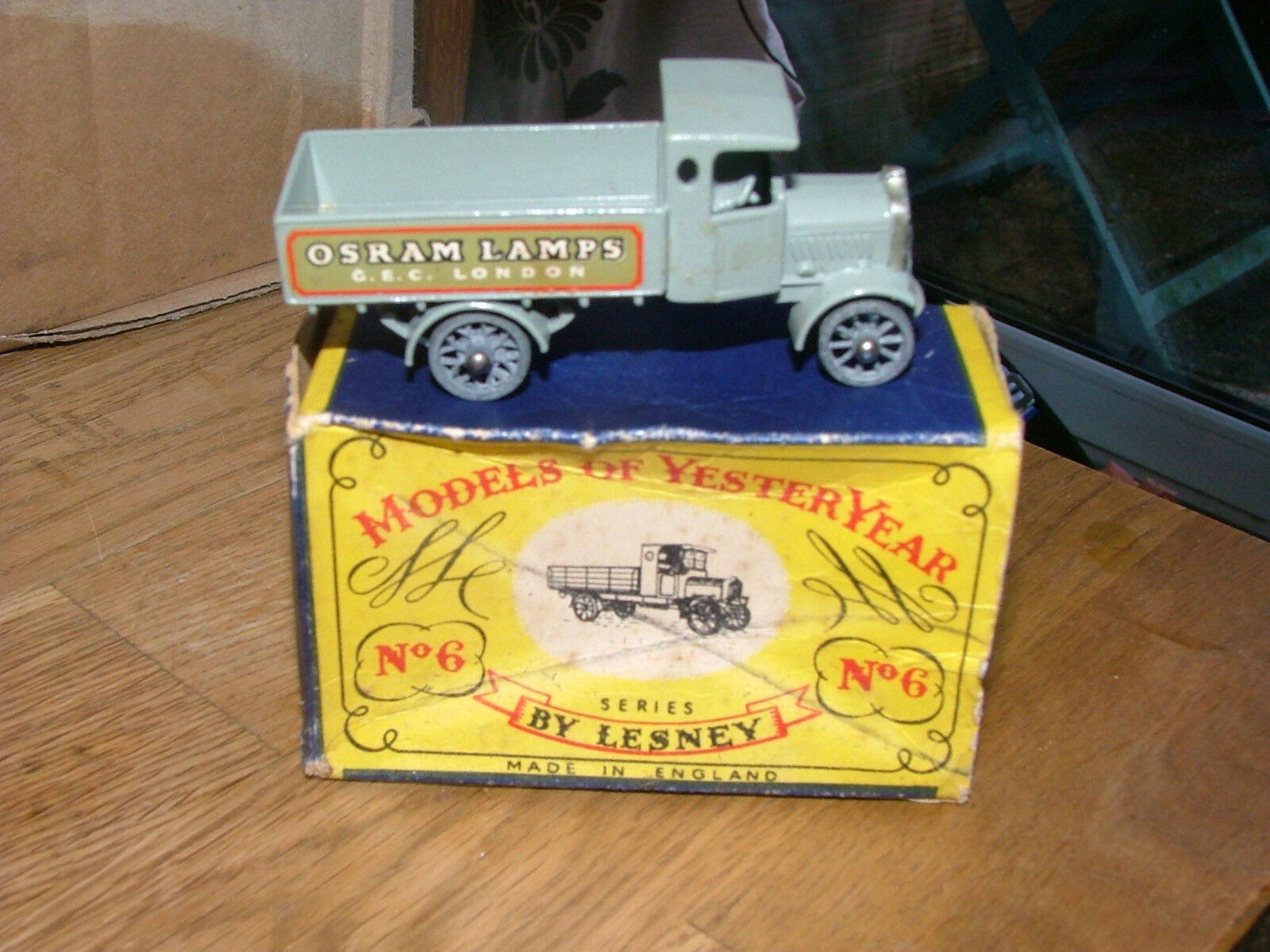 Matchbox Yesteryear Y6 1 1916 AEC Y Type Lorry Osram Lamps mint