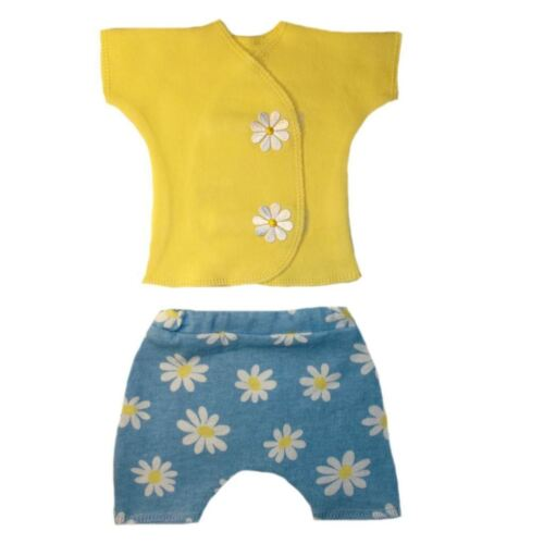 4 Preemie and Newborn Sizes. Delightful Daisies Baby Girl Shirt Shorts Outfit