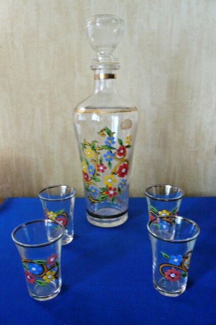 VINTAGE ART GLASS DECANTER with 4 SHOT GLASSES - FLOWERS - GOLD TRIM