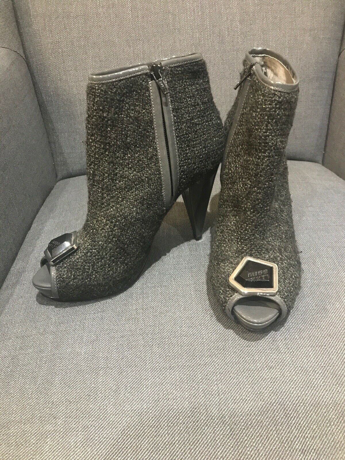 Miss SIXTY gris Boucle tweed estilo Peep Toe Toe Toe Tobillo botas Talla 38 UK Talla 5 d1dba0