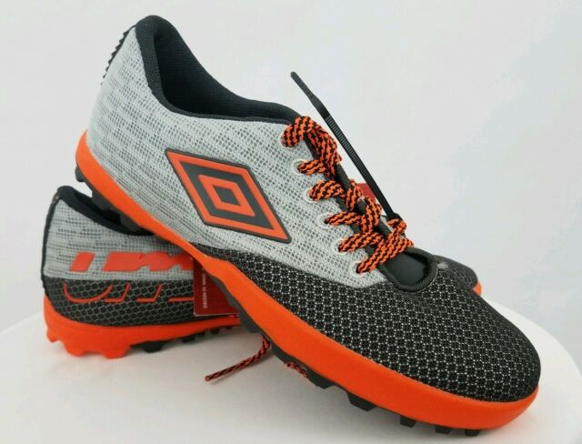 umbro turf soccer shoes