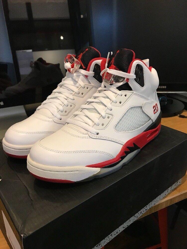 Brand New Nike Air Jordan V 5 Retro Fire Red Black Tongue Size 9.5 DS