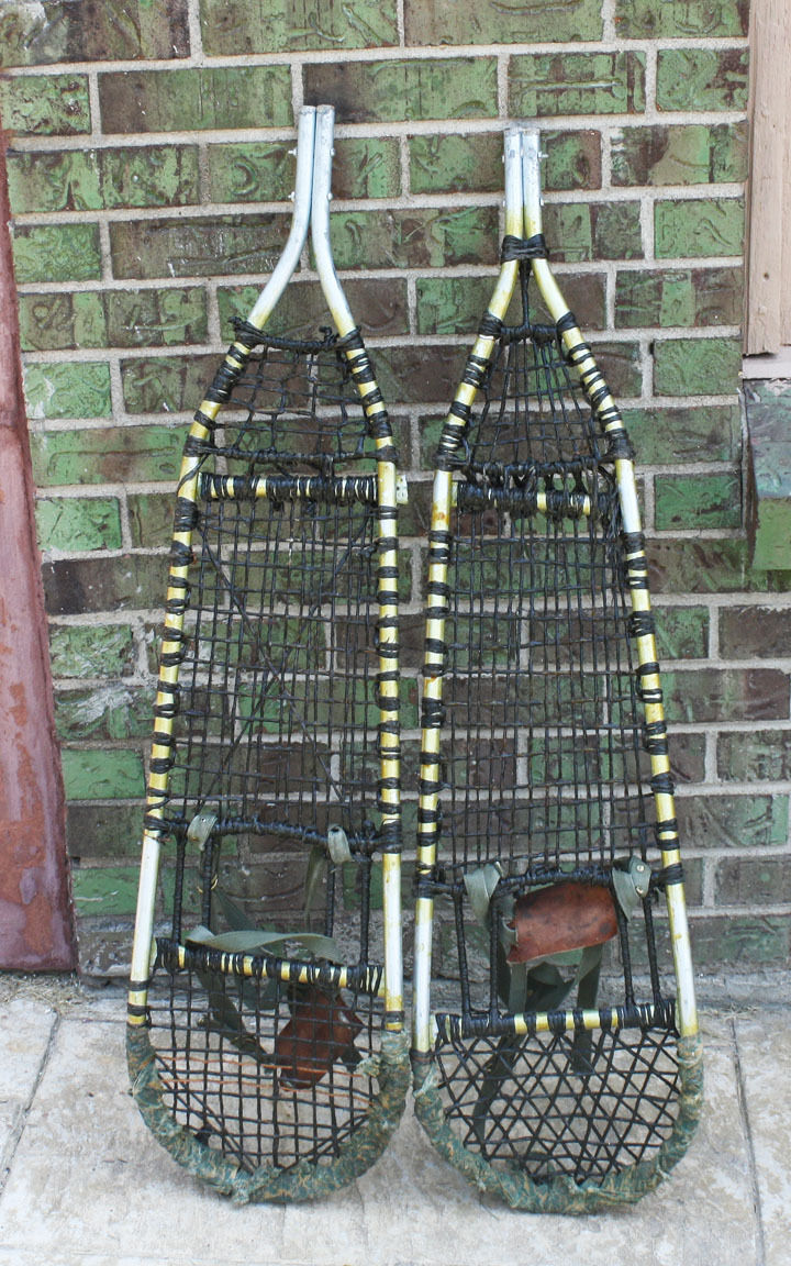 Vintage Sturdy  Aluminum Snowshoes 39 x 11  inches  with Bindings Prob Military  various sizes