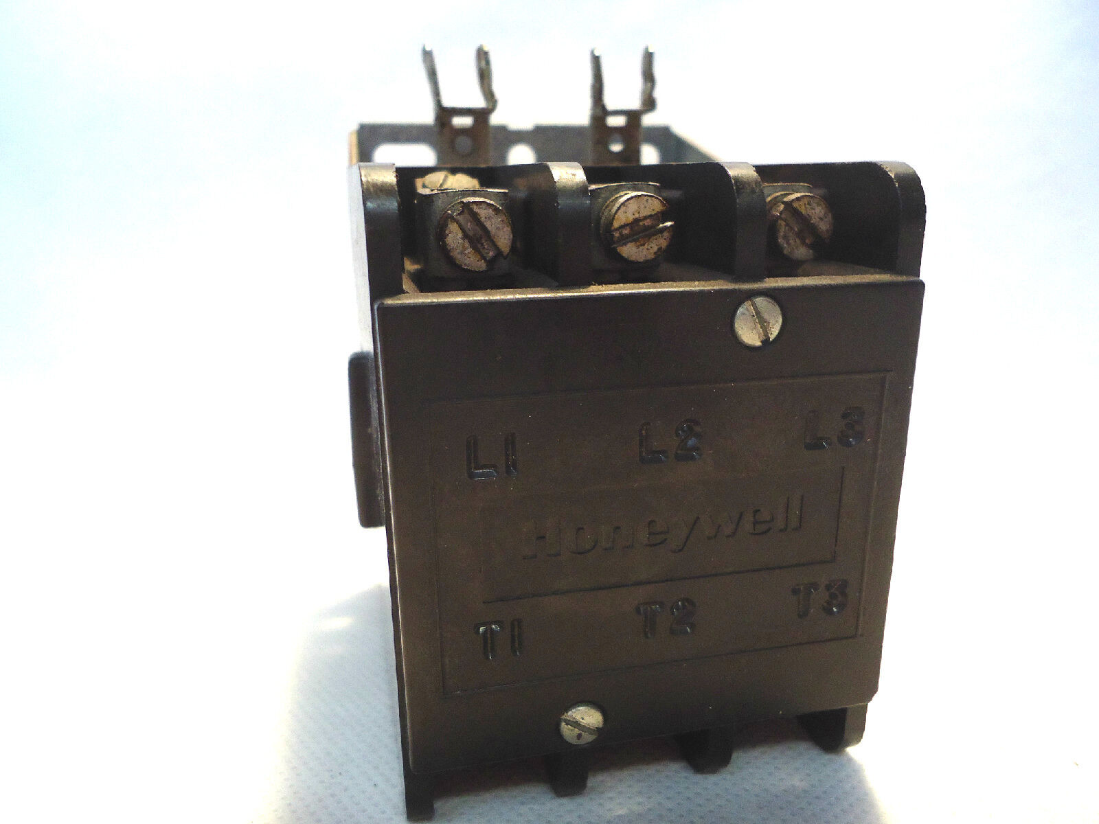 Honeywell 3 Pole Contactor R8212 G 1209