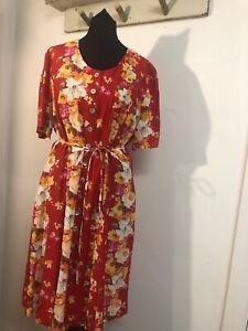 Atemberaubende-liebenden-JUnglings-Tee-Kleid-Blumenmuster-Vintage-Style-Groesse-14